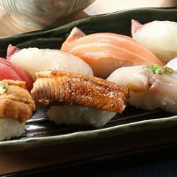 握り寿司8種盛り
