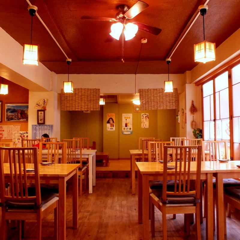 A large interior is available for up to 70 to 80 people ♪
