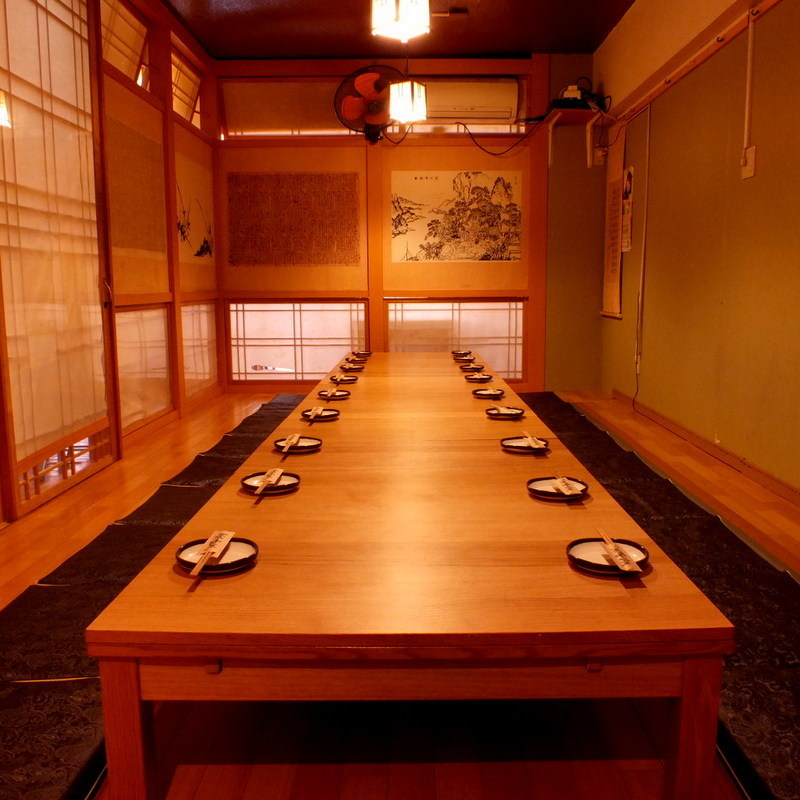 Completely private room that can be used for 10 to 20 people ♪ It is possible to use it for various purposes from company banquet to private party.