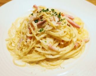 Warm ball carbonara