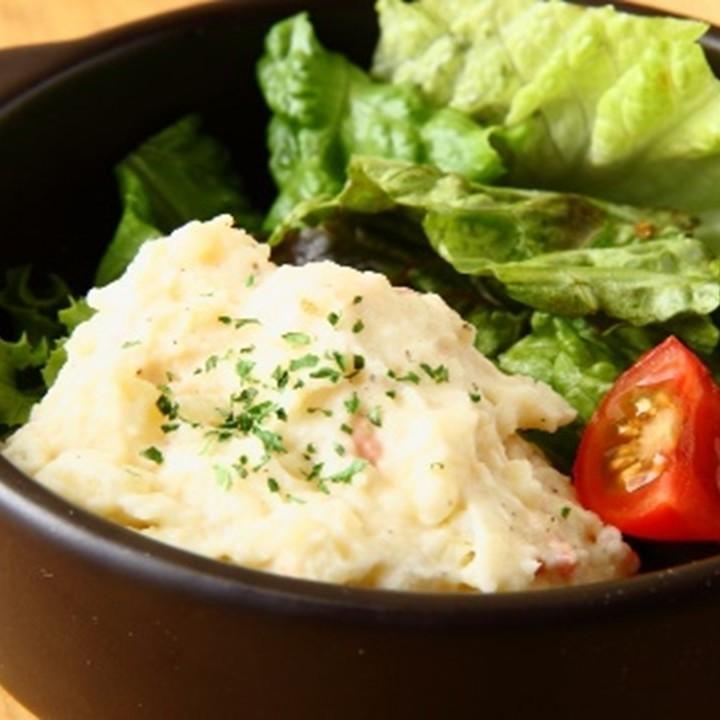 鲣鱼酱配土豆沙拉