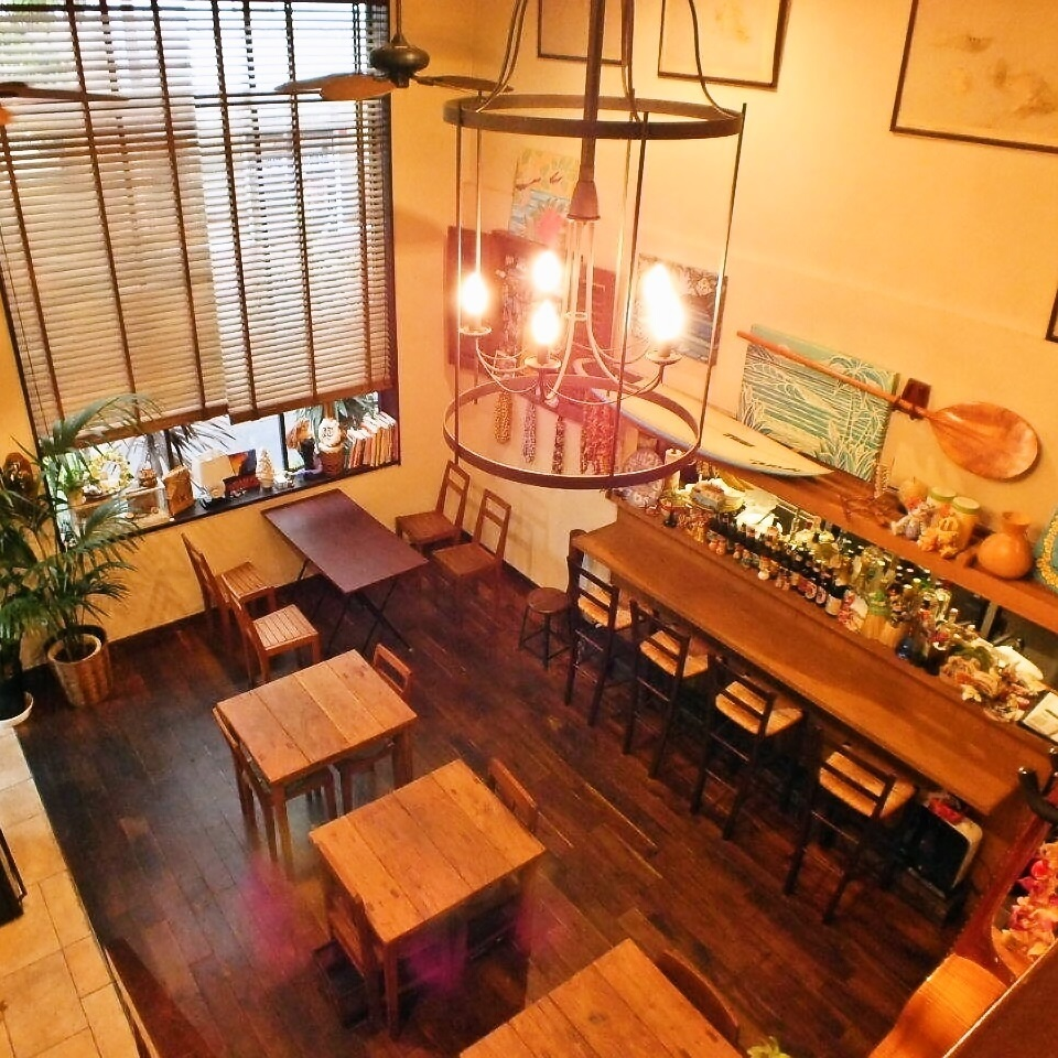 Counter seats are available so even one person is safe ♪ Please feel free to visit us.