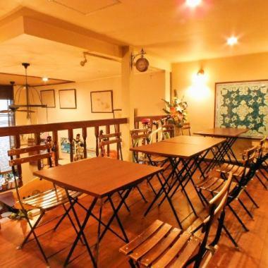 当店には2階のロフト席もございます!!高い天井の広々とした空間で特別なひと時を☆