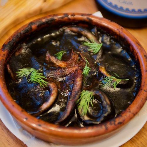 バスク風イカのスミ煮