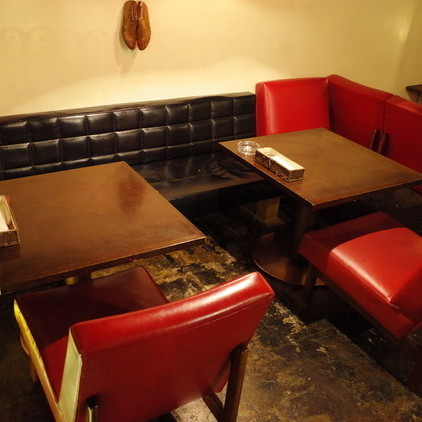 Changing the table layout, seats available for up to 5 people at the girls' society ◎ Please spend a pleasant time with your friends with a comfortable sofa seat.