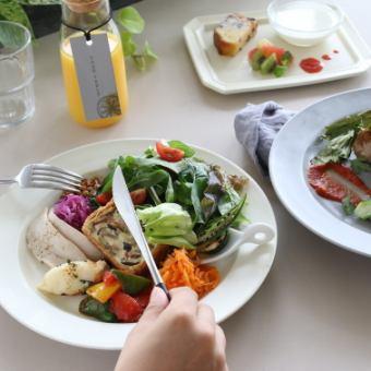 【午餐】請選擇當天的主菜!YOUR TABLE課程式午餐