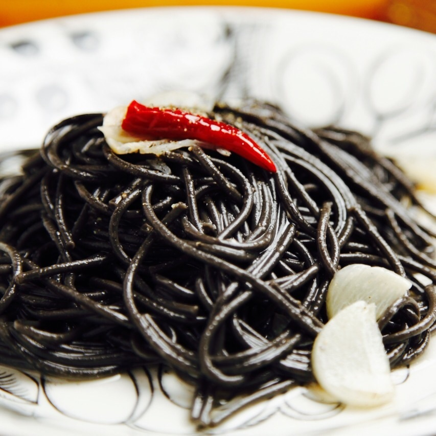 Black peperoncino