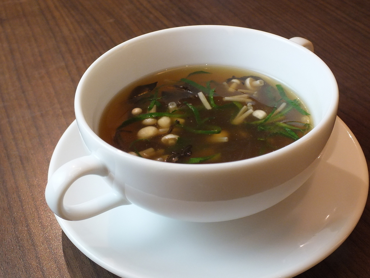 Shark's fin and dried scallop soup