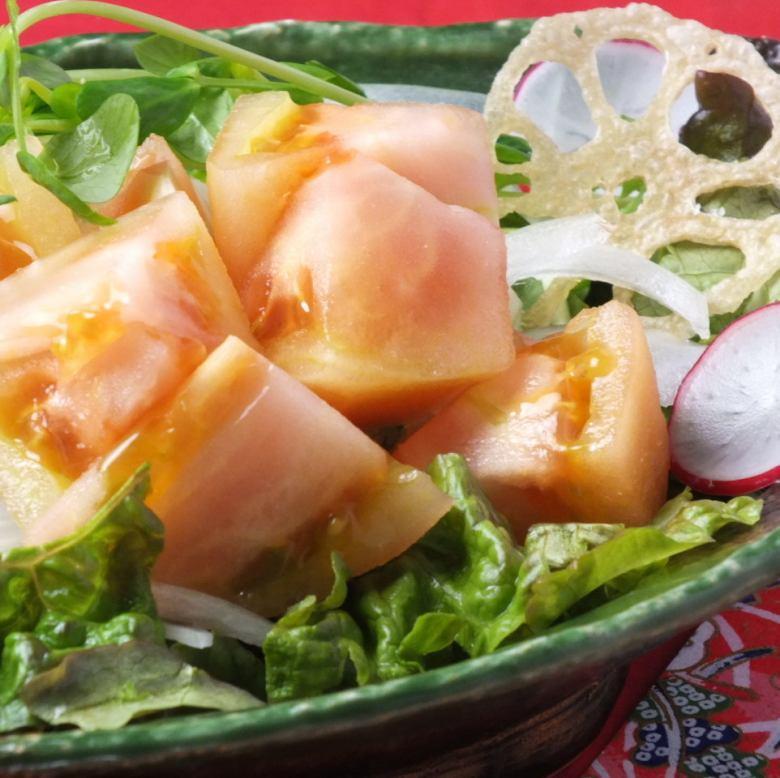 Spicy tomato salad