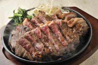 牛サーロインの朴葉味噌漬けステーキ
