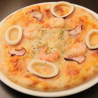 四個海鮮披薩