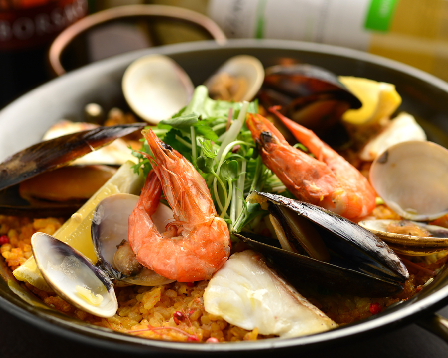 Special seafood paella