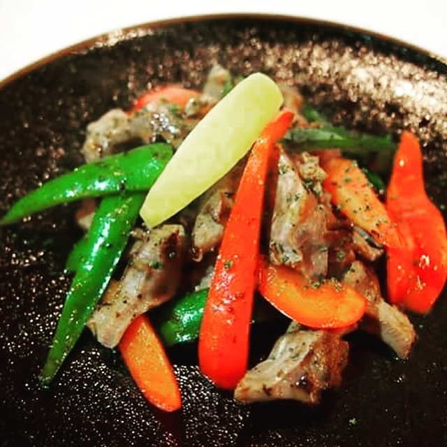 Teppanyaki with sandstrap and green peppers