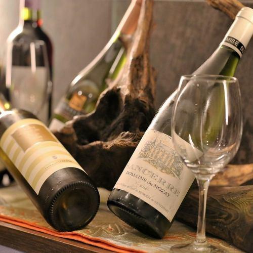 赤・白ワイン各種ございます。