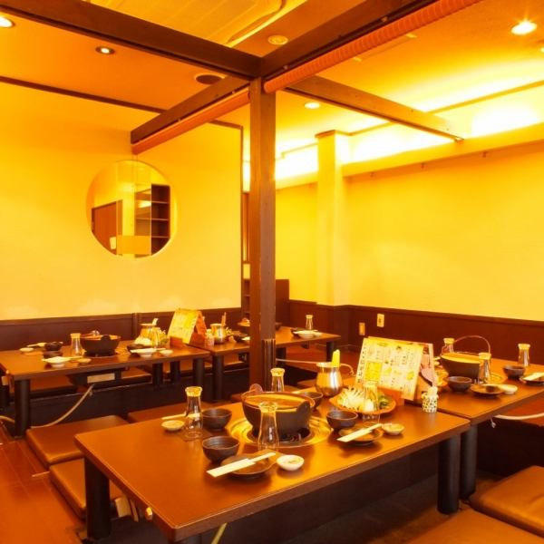 【Company banquet / tourists】 All 130 seats in 3 floors.Individual rooms up to 10 to 30 people are enriched.The picture is Japanese-style modern atmosphere is a popular digging seat.It has become a space to relax and relax your legs.