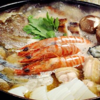 "【All-you-can-drink menu with 90 minutes】 All 4 items, ""New Year's party"" / 8 kinds of seafood (Sea bream · Shirako etc) ""Luxury large fish pot course"" 5000 yen (tax excluded)"