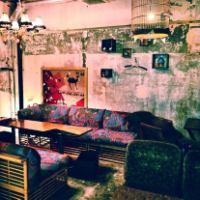 お店の奥のソファ席は半個室。4~10名様までご利用いただけます。同窓会やお祝いごとなどにおすすめ、パーティープランもございます!