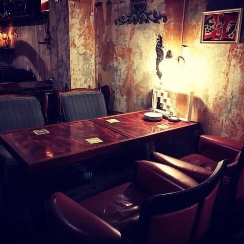 咖啡厅和餐厅酒吧适合各种场景,如与朋友共进午餐,与情侣共进晚餐等。您甚至可以用眼睛享受的内饰是其中一项承诺。
