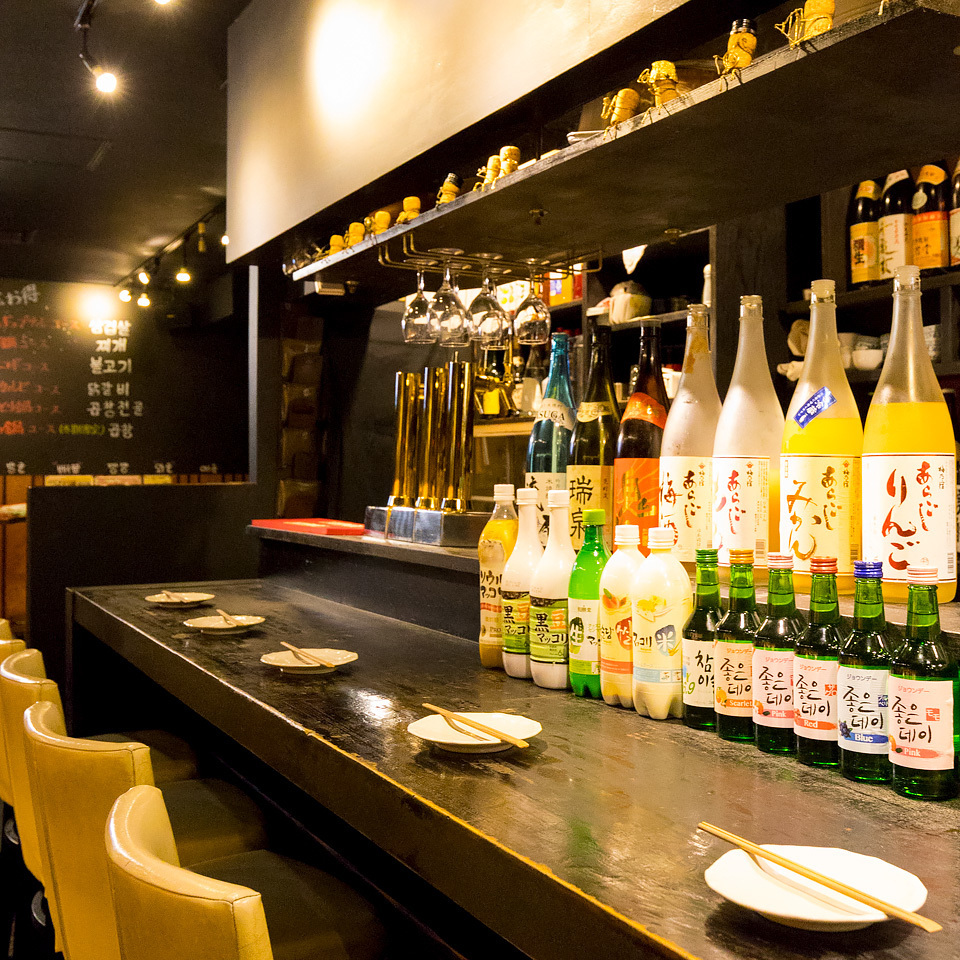 The cooking scenery of authentic Korean cuisine is in front of you !!