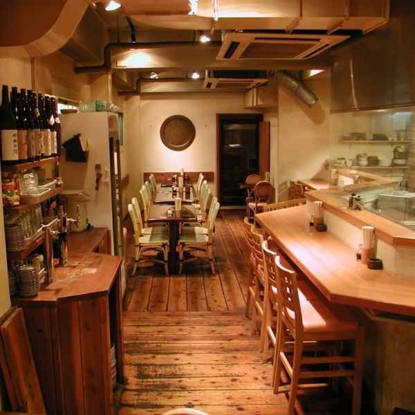 I alone like and couples, is perfect to use in a small number of people.We have been coming to the store to feel the atmosphere of calm and commitment cuisine in your alone any sense of realism ◎ regulars like the atmosphere of delicious cuisine is transmitted.Come please feel free.
