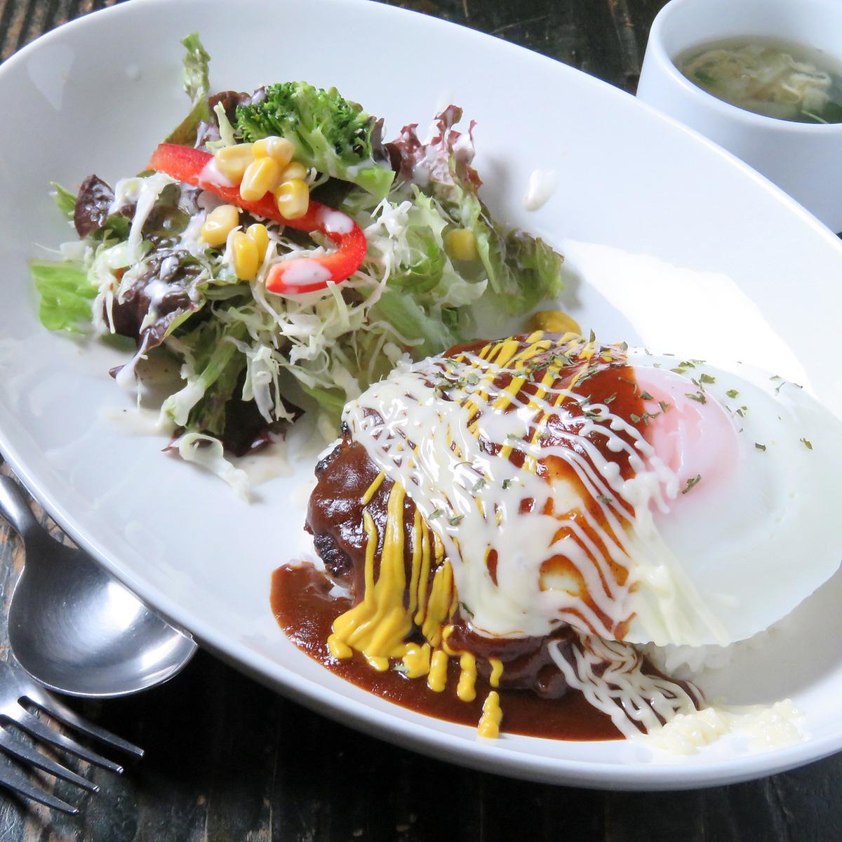 Western-style Loco Moko Lunch (Homemade Hand Towed Hamburger)