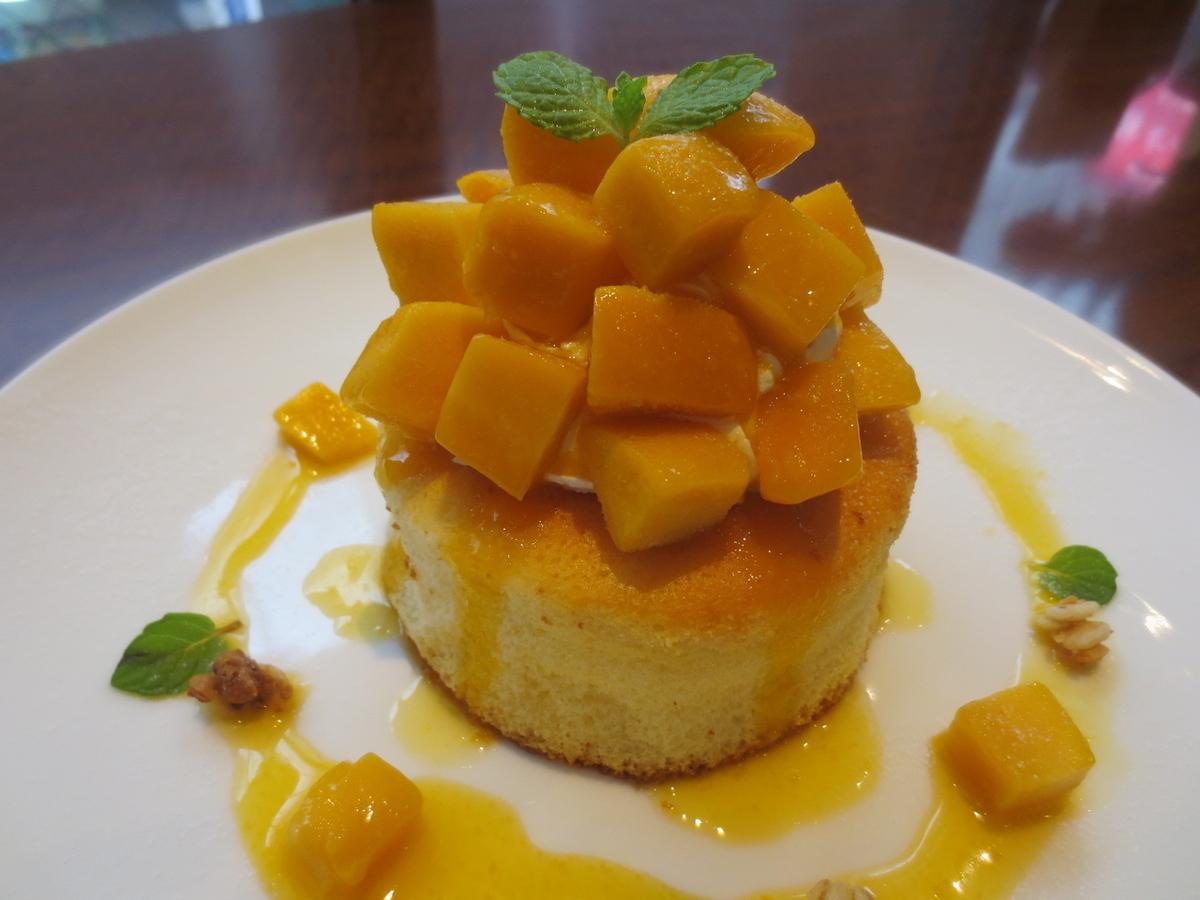 Ogura soufle pancake / mango souffle pancake