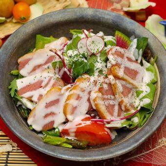 合鴨のシーザーサラダ