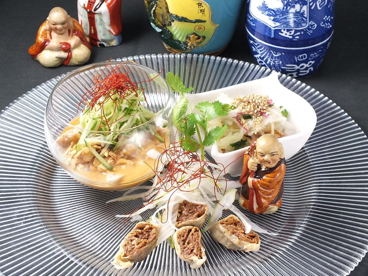各种各样的开胃菜3个品种