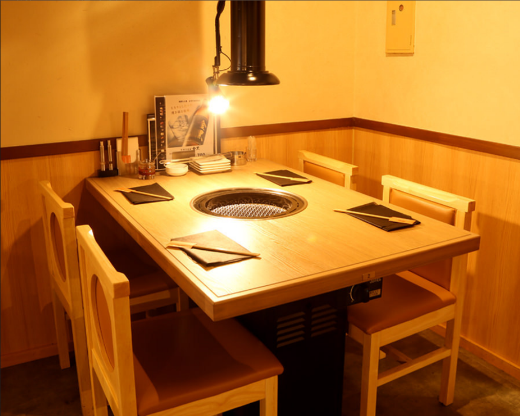 【1st floor】 3 people table for Yakiniku table for 4 people