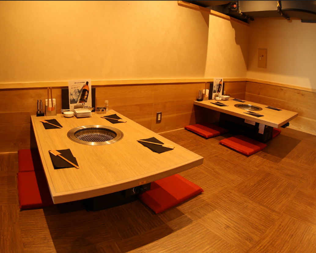 【2nd floor】 3 tables for 4 people