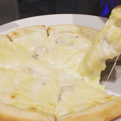 シチューピザ