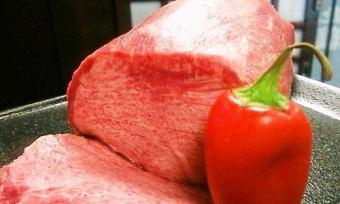 Rare site! Kuroko's exquisite thick throat steak
