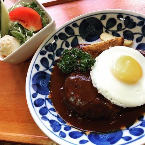 ITADAKI自慢のハンバーグステーキセット