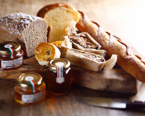 人気の自家製パン
