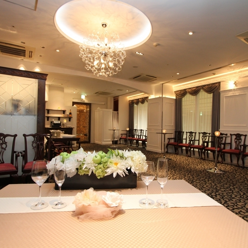Charged party plan 4000 yen 22 people ~ Negotiable.Sitting for 45 people, standing up to 65 guests possible.
