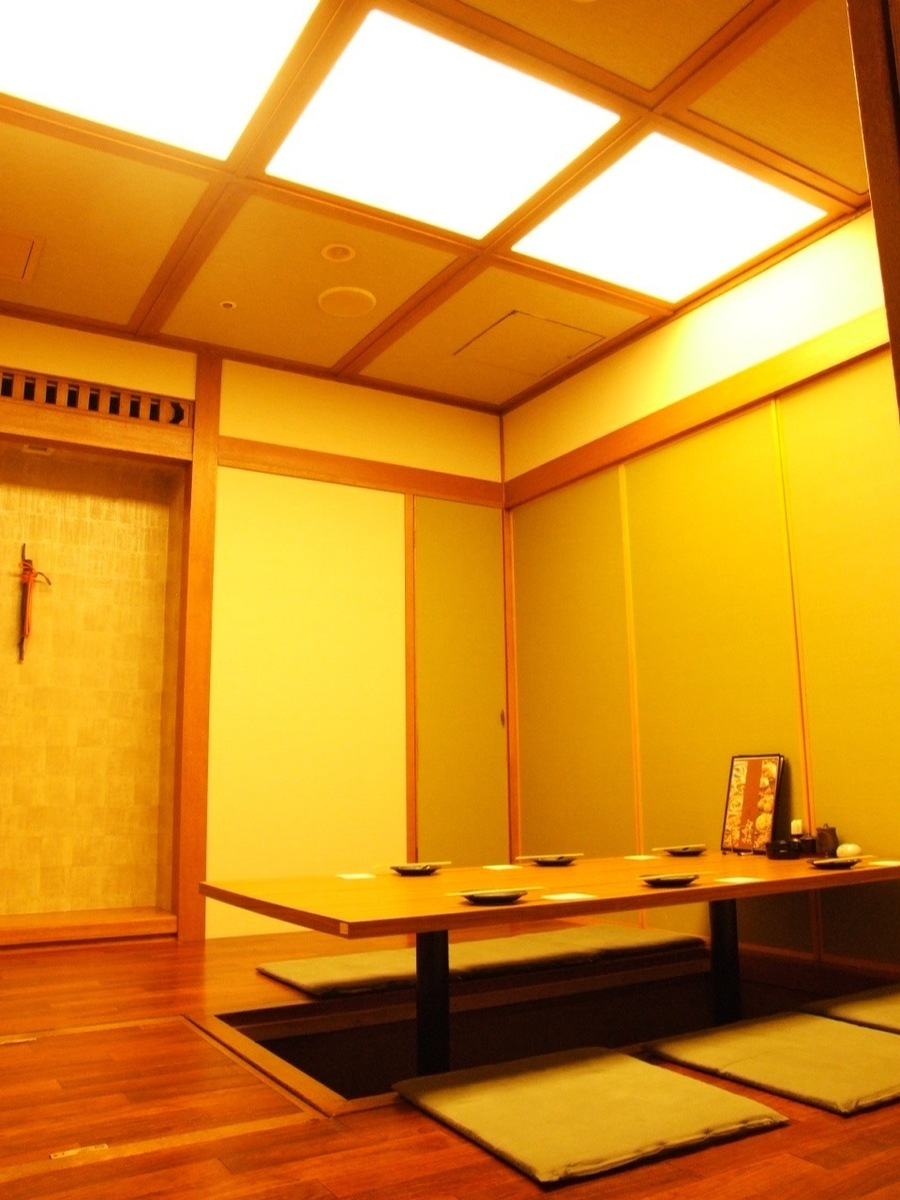 "Between Akan: When the leading role is in · When you want to slowly ☆ The most innermost part of the store's entrance is this ""between Akan.""When you want to spend quietly, here is recommended.Because it is near from the kitchen, the offering speed is fast, so far from the entrance so quiet ☆ I can spend it slowly!"