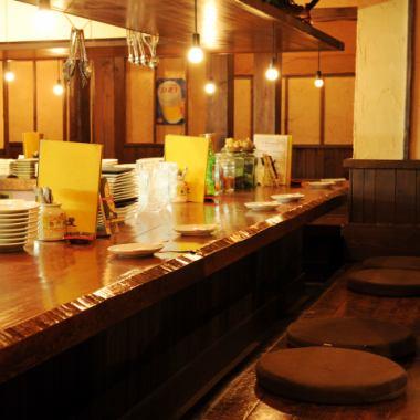 2Fオープンキッチンスタイルのカウンター。