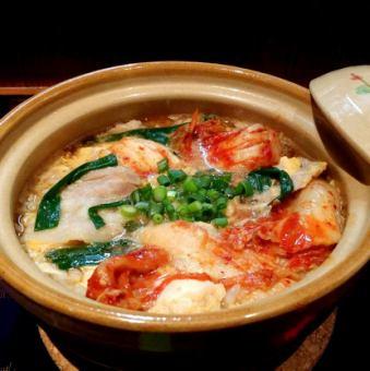スタミナ雑炊『豚ニラキムチ雑炊』