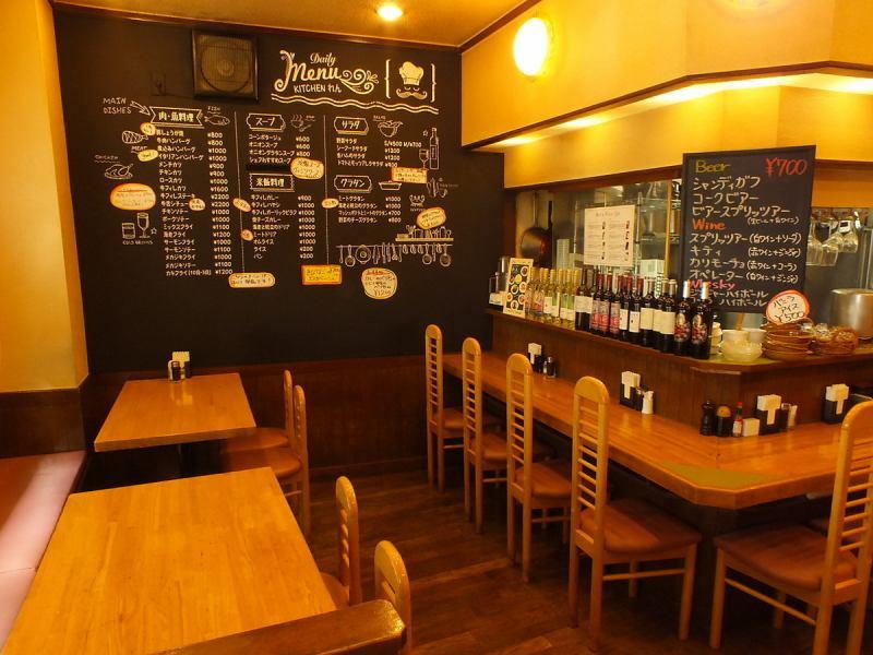 這是愛了很多年在六本木,城市的西餐店。約會,工作,午餐與同事後,請在各種使用,,,飲用經過現場收緊。酒的種類也穩步上升!Gattsuri要吃飯,還輕輕地充實,我會等我們。