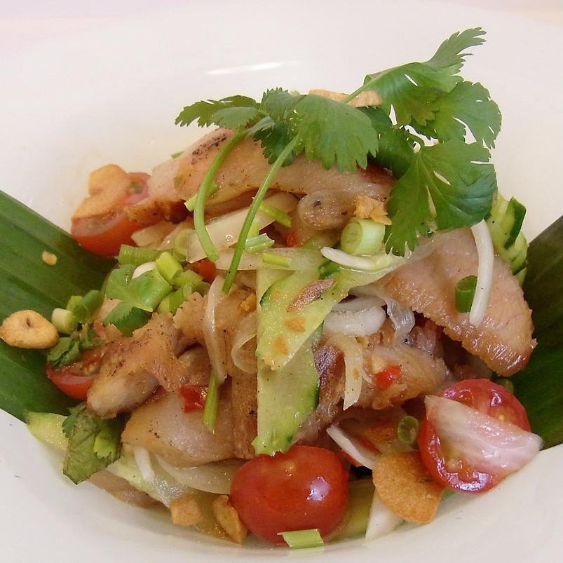 돼지 고기 태국 스타일 샐러드 (S 사이즈)