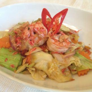 和Nambura一起炒蝦和捲心菜