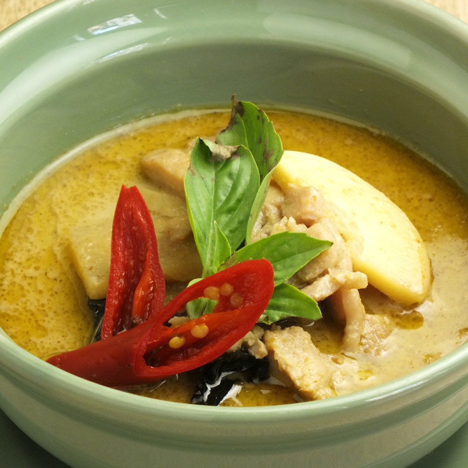 Chicken's green curry