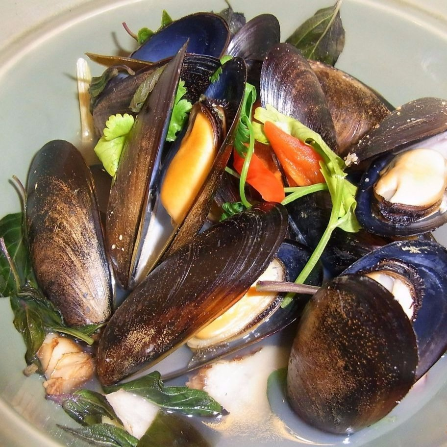 Steamed mussels with lemon grass