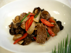 Stir-fry beef with black pepper