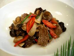 用黑胡椒炒牛肉