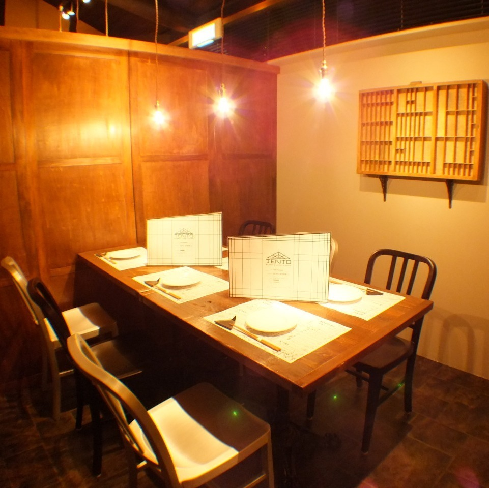 [2F] Tables available up to 12 people Private room