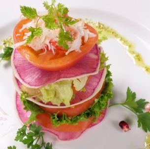 Milfieille of tomato, radish, snow crab