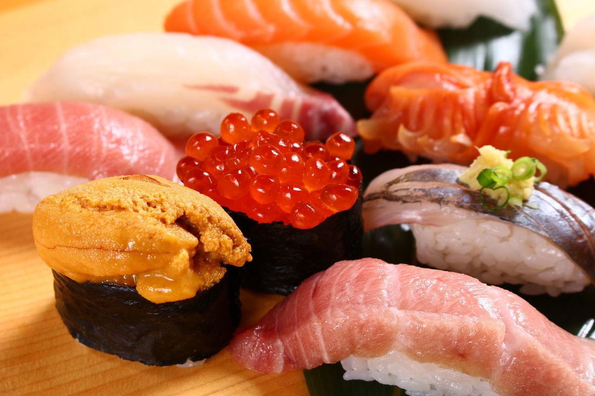 江戸前 びっくり寿司 つくし野店...