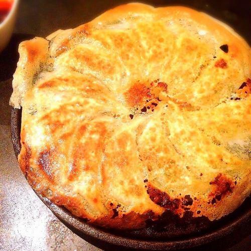 ◆鉄皿焼き餃子(12個)