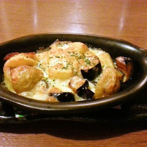 茄子とポテトのチーズ焼